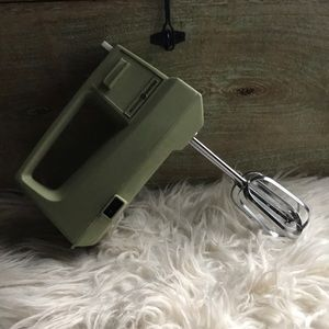 GE General Electric Hand Mixer 3 Speed Green